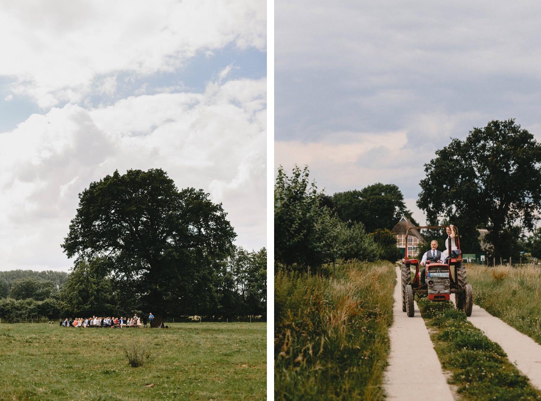 Zwei Fotos die Gäste sitzen unter der Eiche und warten auf die Braut und die Braut wird von ihrem Vater mit dem Trecker zur Trauung gefahren