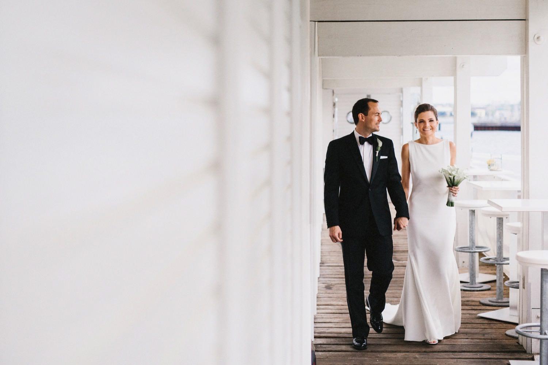 Braut und Bräutigam in der Seebar in Kiel